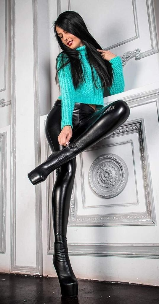 a773f13842a Boots Are Divine | Ботфорты и кожа | Latex pants, Leather leggings, Leather  pants