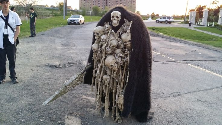 By far the creepiest costume we've seen. Nito from dark ...
