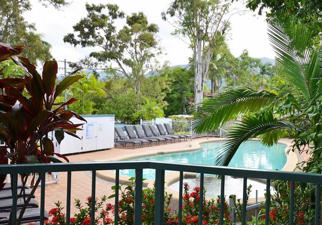 Photos of Beachfront on Trinity Apartments #trinitybeachaccommodation http://www.fnqapartments.com/accom-beachfront-on-trinity-apartments/