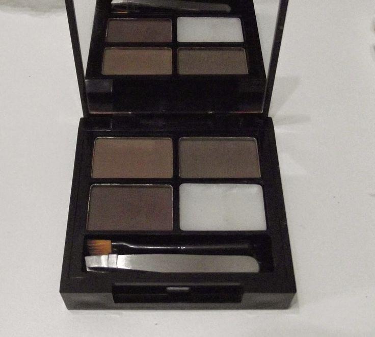 Makeup Revolution Focus & Fix Eyebrow Shaping Kit Medium-Dark