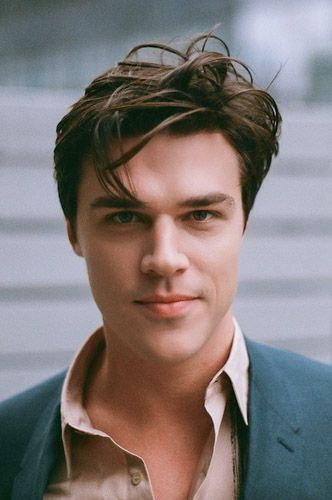 Juilliard Alumni Profile of the Month, June 2015: Finn Wittrock. I already pinned the picture but the article with it is great too. Fun fact: He drives Mrs. Wittrock to work when he's not acting. AWW.