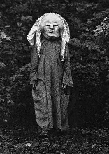 best 25 vintage halloween costumes ideas on pinterest vintage halloween photos creepy vintage and old halloween photos - Old Fashion Halloween