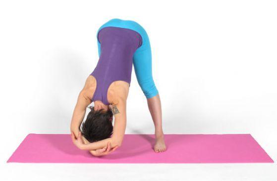 Йога для начинающих: подготовка к перевернутым позам :: Фотокомплексы :: JV.RU