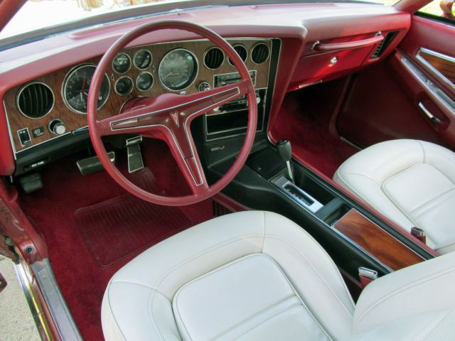 1974 Pontiac Grand Prix interior