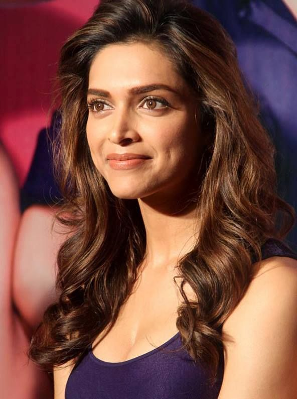 Deepika Padukone Hot Stills #DeepikaPadukone #Bollywood #FoundPix