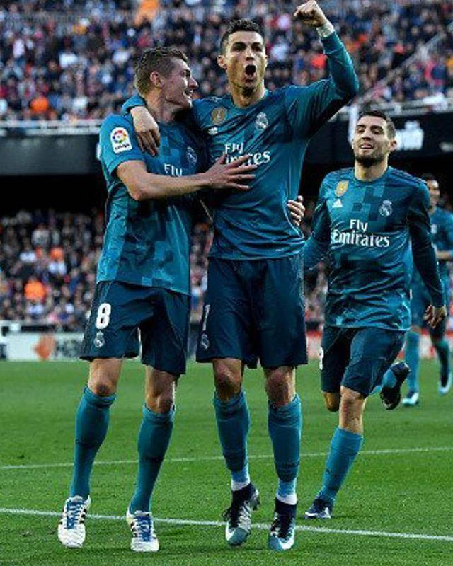 Ronaldo nunca celebra los goles de sus compañeros de equipo! Chulo y egoísta el portugués