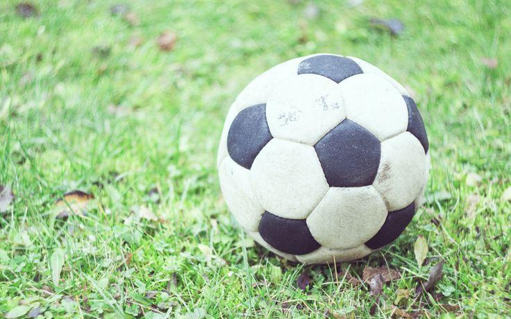 Download Wallpaper 3840x2400 Soccer Ball Football Grass Blur 4k Ultra Hd 16 10 H Soccer Soccer Ball Football