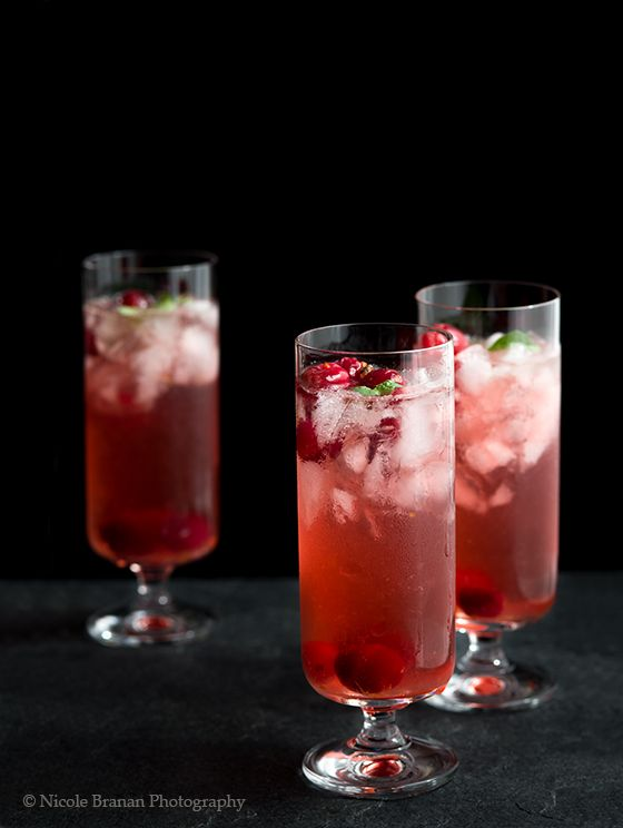 Cranberry spice cocktails recipe thanksgiving for Best alcohol to mix with cranberry juice