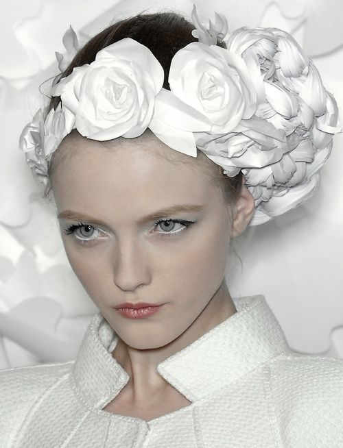 Vlada Roslyakova on the runway. Chanel haute couture, S/S 2009.