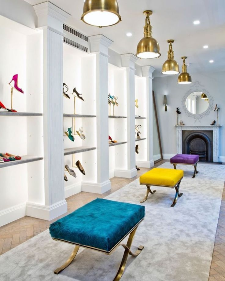 "MANOLO BLAHNIK, London, UK, ""I like long romantic walks walks around the shoe stores"", photo by The Fashion Display, pinned by Ton van der Veer"
