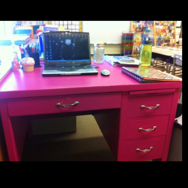 Classroom Desk Organization Ideas Pinterest: The 25+ Best Teacher Desks Ideas On Pinterest