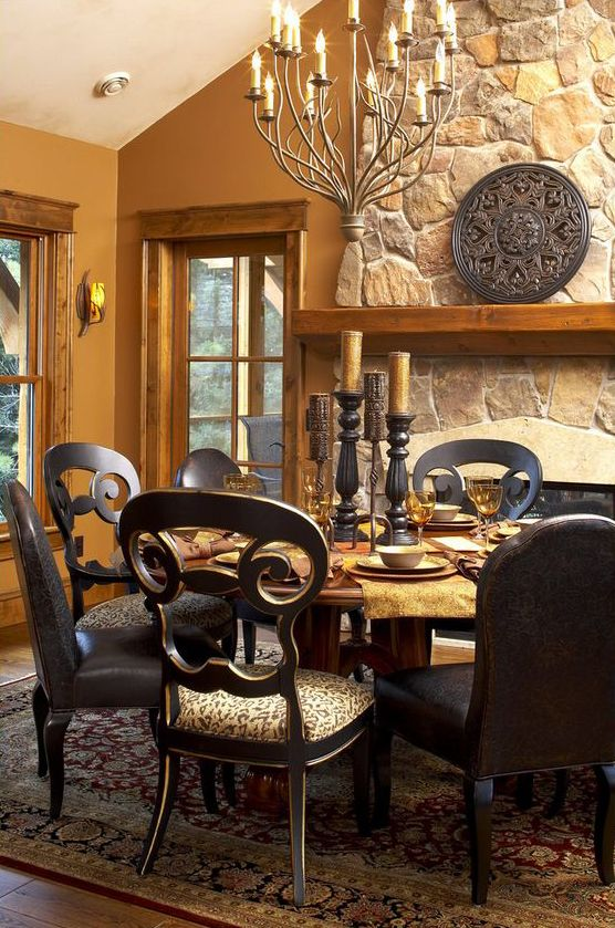 Best 25  Traditional dining rooms ideas on Pinterest   Traditional dining  room sets  Traditional formal dining room and Traditional dining sets. Best 25  Traditional dining rooms ideas on Pinterest   Traditional
