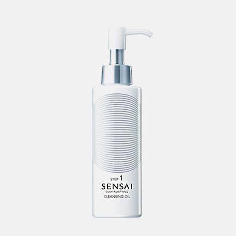Limpieza : SENSAI SILKY PURIFYING: Cleansing OilExquisito aceite limpiador que se extiende por todo el rostro como si fuera terciopelo. Aplicar por las noches. Masajear suavemente sobre la piel. Aclarar bien.