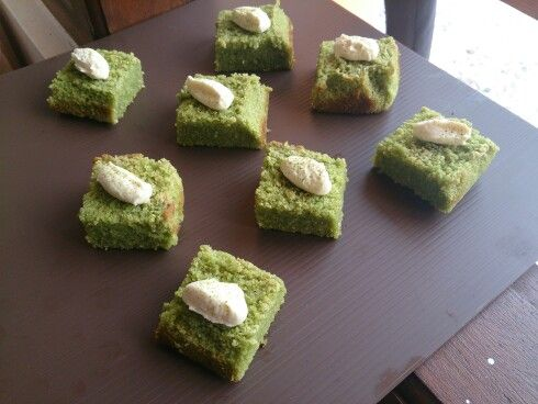 Homemade green tea cheese cake with cream cheese frosting