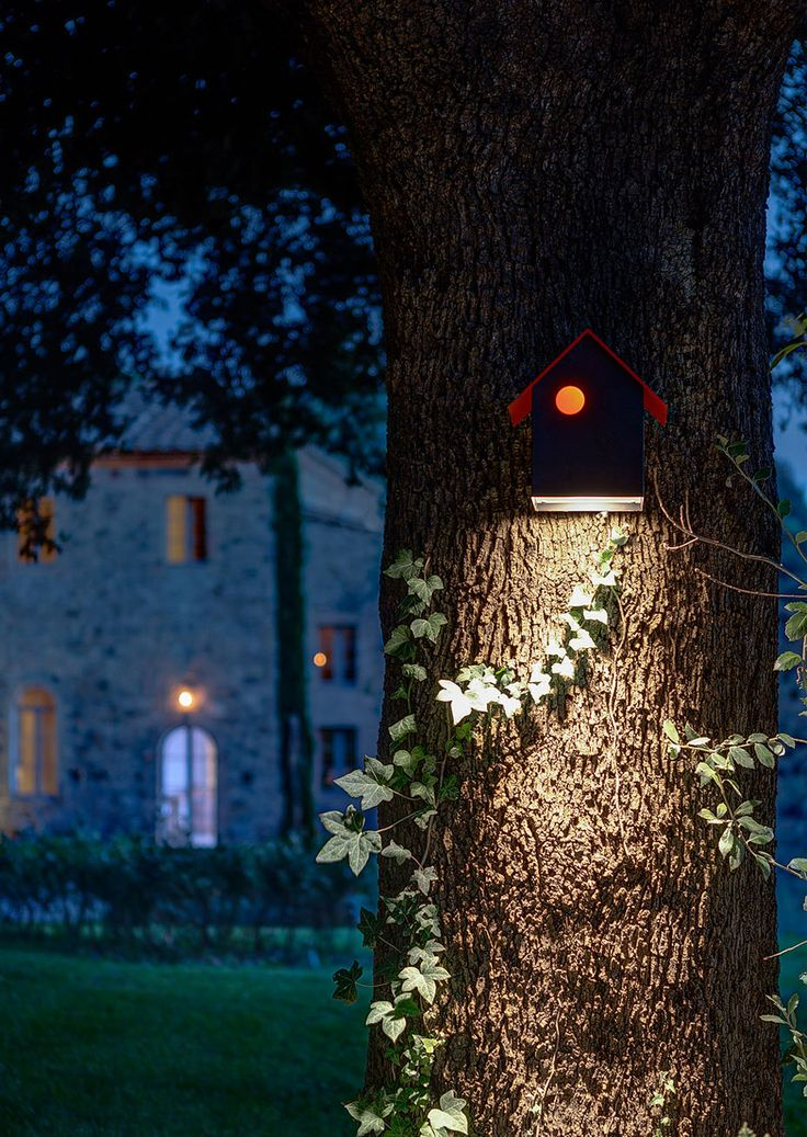 House in Montalcino. 2015 Project: Gerda Vossaert Architect Lighting project: Davide Groppi and Daniele Sprega. Lamps: Davide Groppi. In this photo IMU outdoor lamp. #davidegroppi
