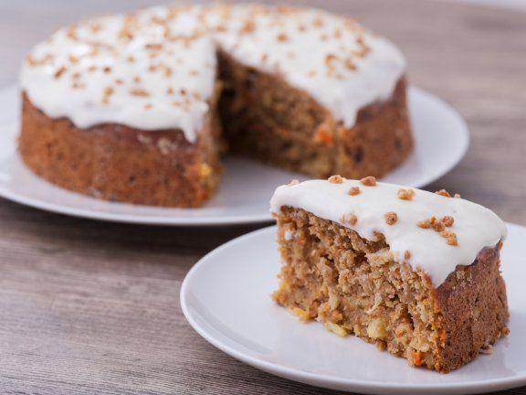 Rezept leichter Karottenkuchen | EAT SMARTER