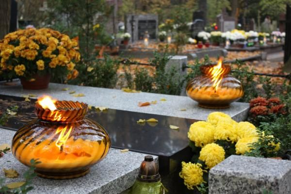 Holidays- A popular holiday in Uruguay is All souls day. Cousin to Day of the Dead, they are both on November 2nd, and commemorate the deceased. This is done by decorating graves, and cooking favorite items of food.