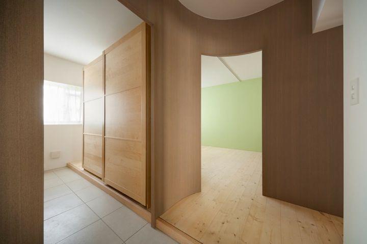 1枚もののパーティションで区切られた空間が印象的なリフォームアパート - The Arch Design