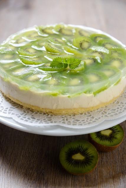 Kiwi Torte  ich würd das rezept ändern: mehr zucker/süß/geschmack ;)