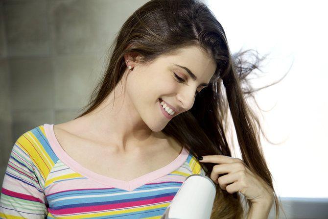 https://www.merdeka.com/gaya/8-trik-agar-tidak-salah-pilih-warna-cat-rambut.html
