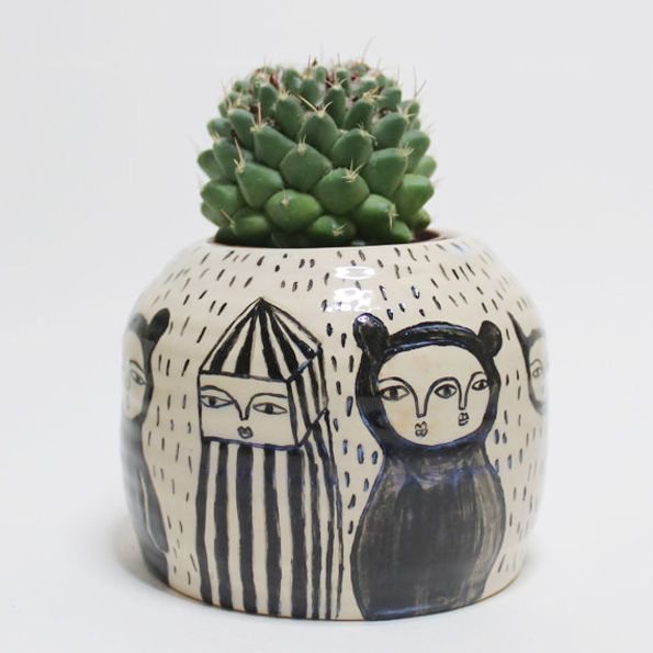 Creatures Traveling from faraway – Ceramic Pot