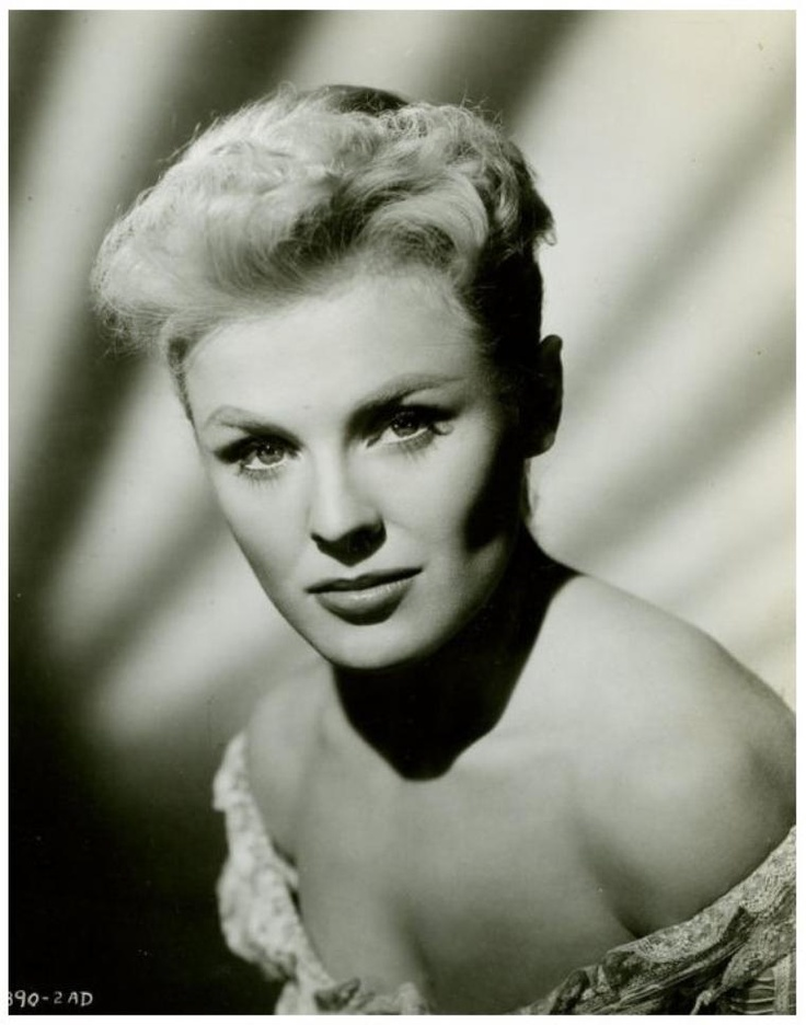 Kathleen CROWLEY '50-60 (26 Décembre 1931.Is an American actress and was Miss New Jersey in 1949 and a contestant for Miss America in the same year (she came in sixth). After the pageants, she became an actress who specialized in being phenomenally seductive in TV series and movies.