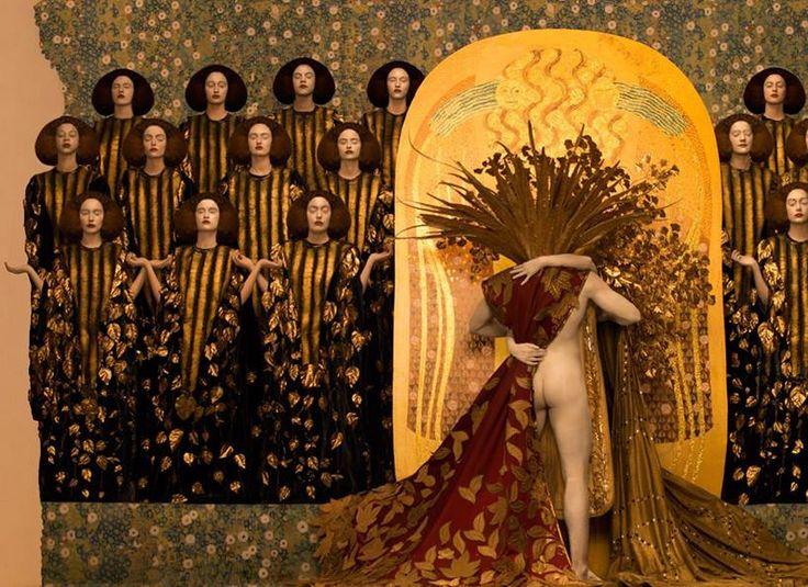 Inge Prader brings Gustav Klimt paintings to life using models and props. http://www.designboom.com/art/inge-prader-life-ball-gustav-klimt-paintings-11-16-2015/