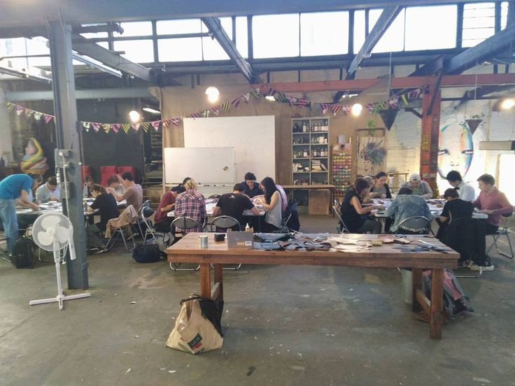 Last class of the year sold out. Thanks for coming everyone! @workshopaus  #leathercraft #leathergoods #workshop #handmade #handstitched #vikingleather