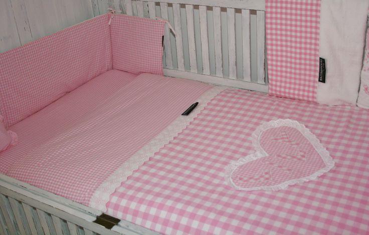 25 beste idee n over meisje beddengoed op pinterest tienerdroom bloemen dekbed en - Bed voor een klein meisje ...