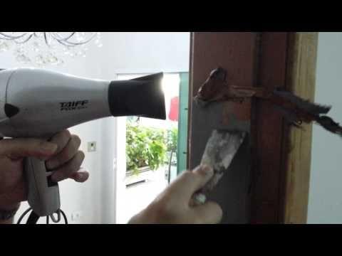 Como remover tinta da madeira sem produtos químicos. - YouTube