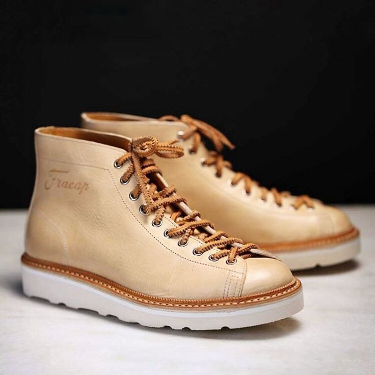 "Our MONKEY EITAN Boots in Natural leather and Natural Calf Leather Handstitched Guardolo.  Check out the ""Special edition"" section on www.fracap.it and get a pair of this unique style.  PayPal accepted,we deliver worldwide.  Man and woman size.  #fracap #handcrafted #madeinitaly #handmade #sneakers #musthave #fashion #beautiful #bloom #flykicks #fashion #shopping #igsneakercommunity #instagood #instakicks #instashoes #kicks #photooftheday #shoegasm #shoeporn #shoes #sneaker"