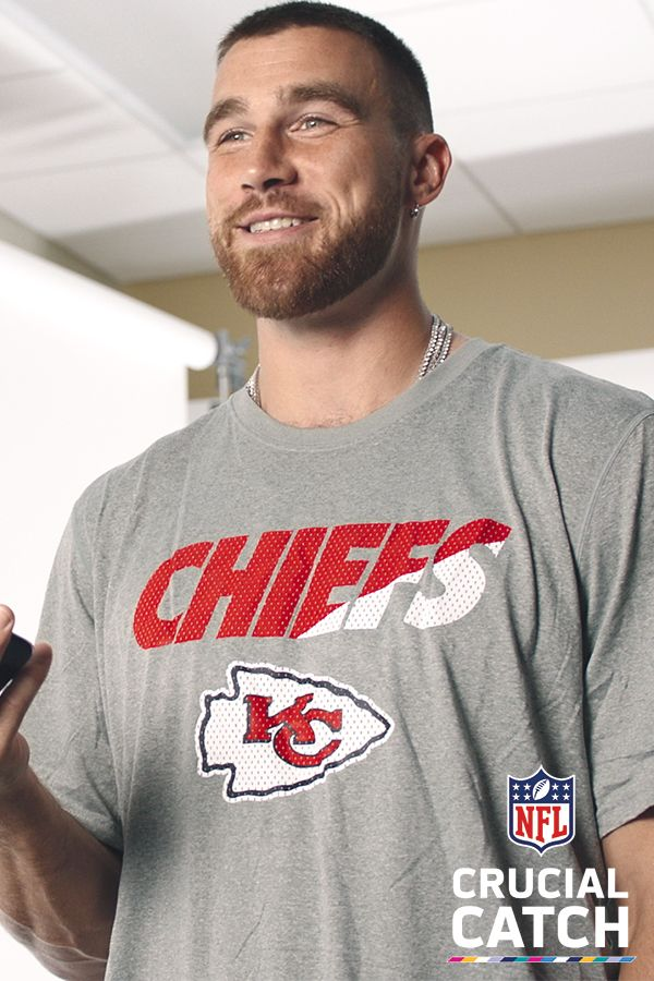 Kansas City Chiefs tight end Travis Kelce knows that when it comes to cancer, offense is the best defense. That's why he used The Defender, a new tool that provides personalized tips on how to reduce cancer risk. Visit NFL.com/CrucialCatch to learn how the NFL and the American Cancer Society are tackling multiple types of cancer, and to get your personalized risk reduction plan.