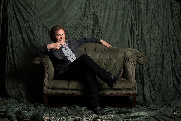 Engelbert Humperdinck's Interview With Broadway World - http://www.okgoodrecords.com/blog/2015/02/19/engelbert-humperdincks-interview-with-broadway-world/ - Engelbert Humperdinck was recently interview by Broadway World, where they discussed his latest album Engelbert Calling and what is in store for the future. This interview comes with anticipation of Engelbert's performance at the Saban Theatre on February 20th, where Engelbert will be... - bradley dorsey, Broadway W