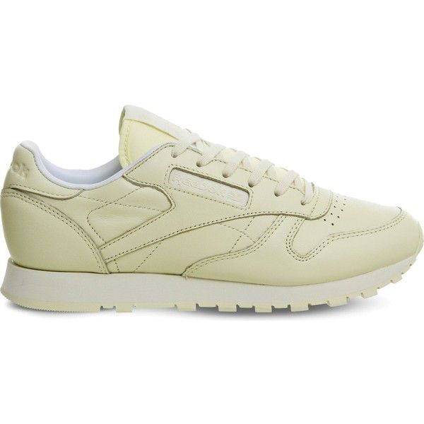 Reebok Classic leather trainers ($68) ❤ liked on Polyvore featuring shoes, sneakers, reebok footwear, sport sneakers, sports trainer, reebok trainers and leather shoes