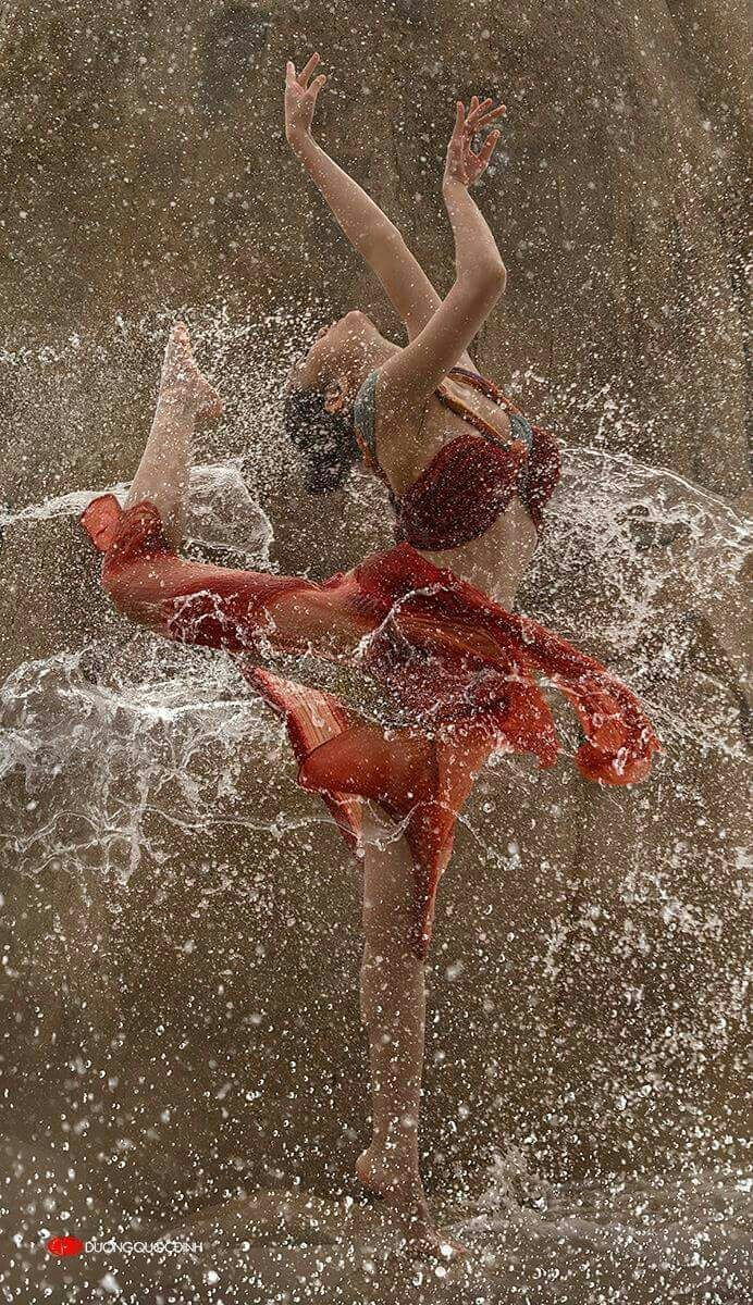 I love dancing in the  Rain