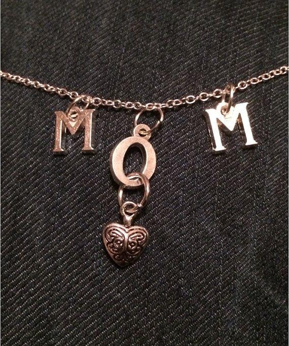 Beautiful MOM necklace