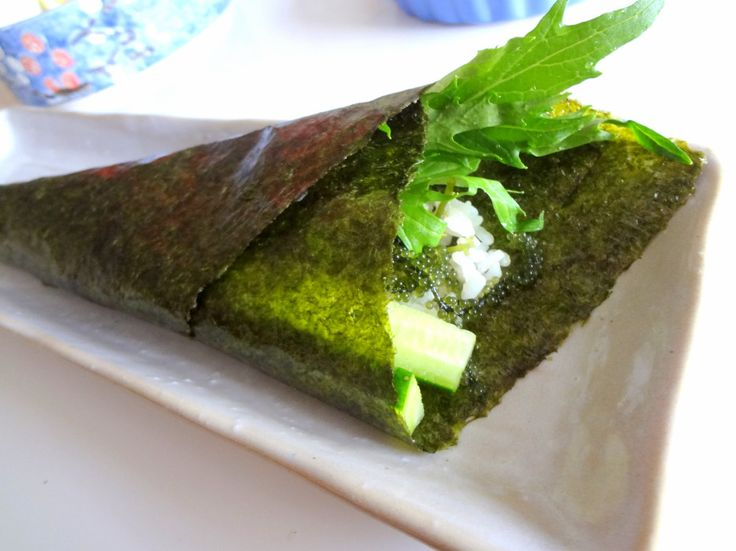 5 Healthy Lunch Ideas for Work: Nori Hand Roll