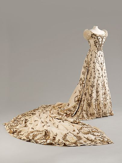 House of Worth, Paris, with Indian embroidery, Bodice, Skirt and Train, ca. 1900–1903, silk with silver and gold thread and bullion work, Fashion Museum, Bath