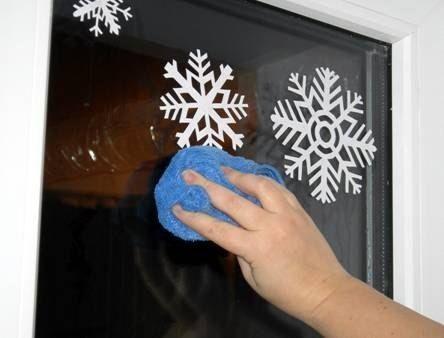 Снежинки - украшаем окна - Поделки с детьми   Деткиподелки
