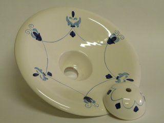 ( CODICE ARTICOLO: ILL/13) Lampadario in ceramica dipinto a mano con decoro fornito dal cliente. Tecnica: maiolica