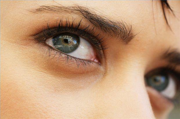 Cómo tener pestañas y cejas hermosas con aceite de ricino