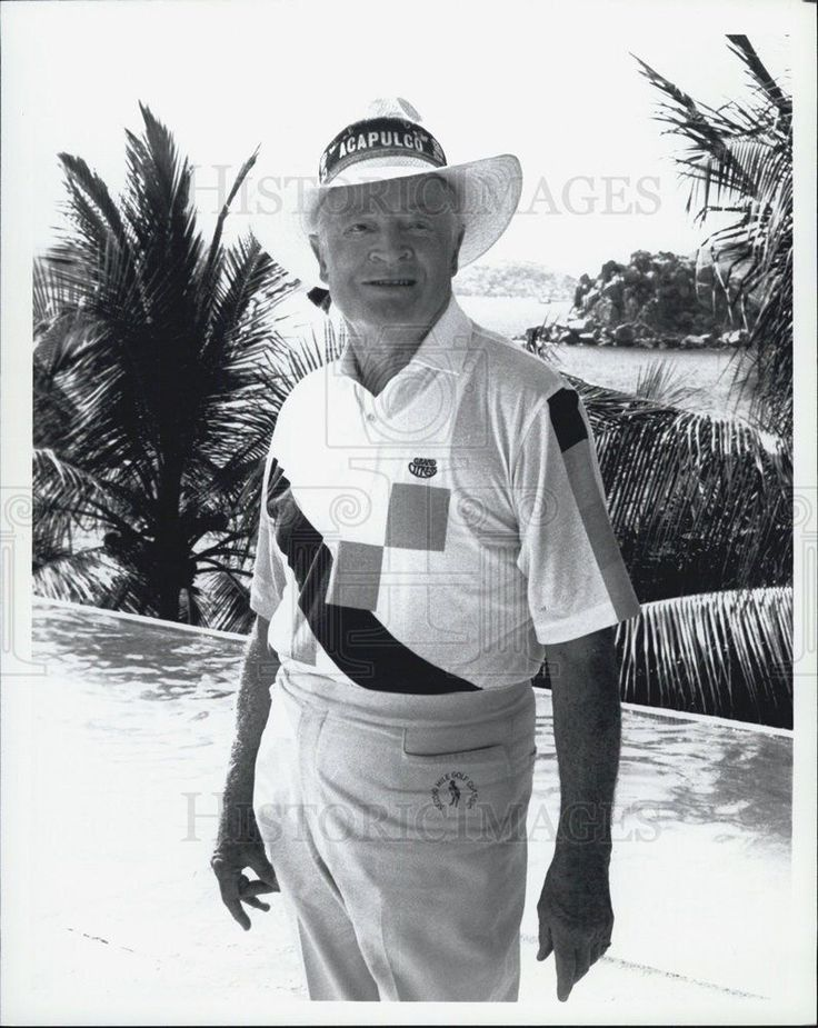 Press Photo Elderly Man Wearing Golfing Clothes Acapulco Hat