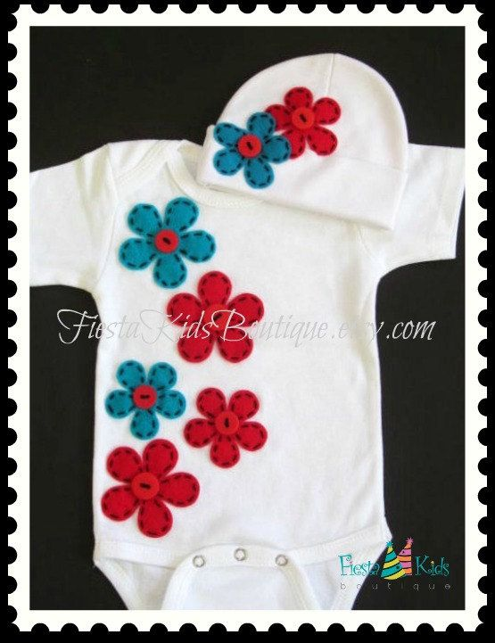 Hey, I found this really awesome Etsy listing at http://www.etsy.com/listing/155940955/baby-girl-outfit-newborn-layette-set