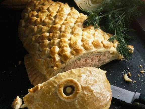 Lachs mit Weißkohl im Teigmantel ist ein Rezept mit frischen Zutaten aus der Kategorie Pastete. Probieren Sie dieses und weitere Rezepte von EAT SMARTER!
