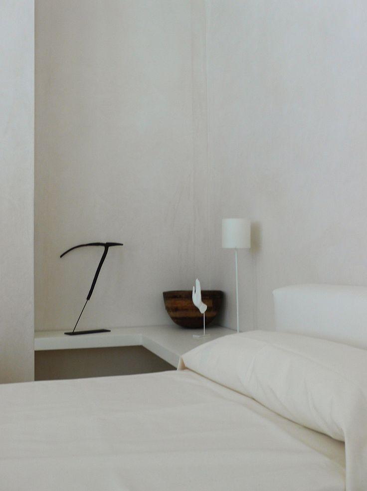 Bedroom in the Mallorca summer house of Alberto Lievore