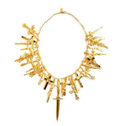 Le collier croix de Pamela Love http://www.vogue.fr/joaillerie/le-bijou-du-jour/articles/le-collier-croix-de-pamela-love/16402