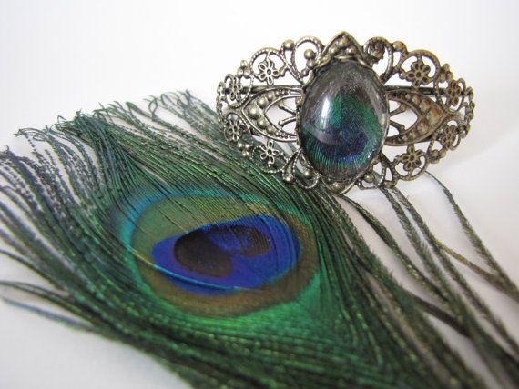 Bracelet vintage plume de paon par MysteriousCircuss sur Etsy