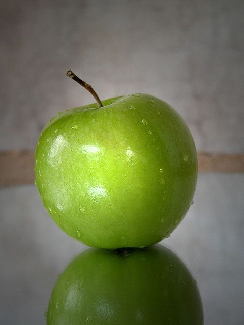 Green Apples with a pinch of sugar helps cure stomach ache. Then warm up a damp rag and place on stomach.