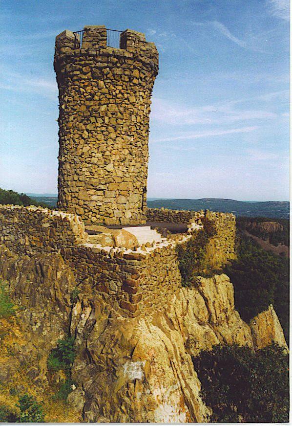 Castle Craig, ca 2002-East Peak of the Hanging Hills in Meriden, CT--WIKI