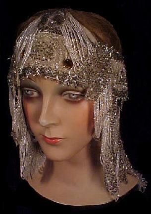 1920s beaded headdress. So opulent! This would go great with several of the flapper dresses I've pinned.